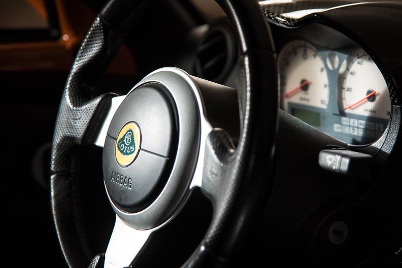 interesting lighting on steering wheel and gauges